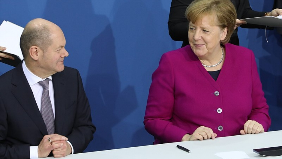 This image has an empty alt attribute; its file name is Merkel-Scholz-1.jpg