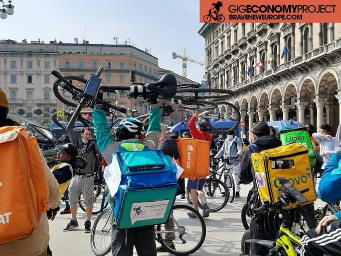 This image has an empty alt attribute; its file name is Deliveroo-Italy.jpg